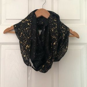 Charlotte Russe • Infinity Scarf • Black & Gold